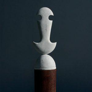 MANI (I), 2017, pezzo unico, marmo e ferro, cm 79x18