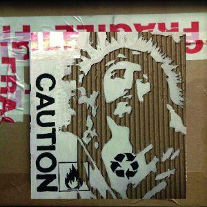 Fragile, SUP.CART STAR, 2012, cartone inciso e colori acrilici, cm 30x30